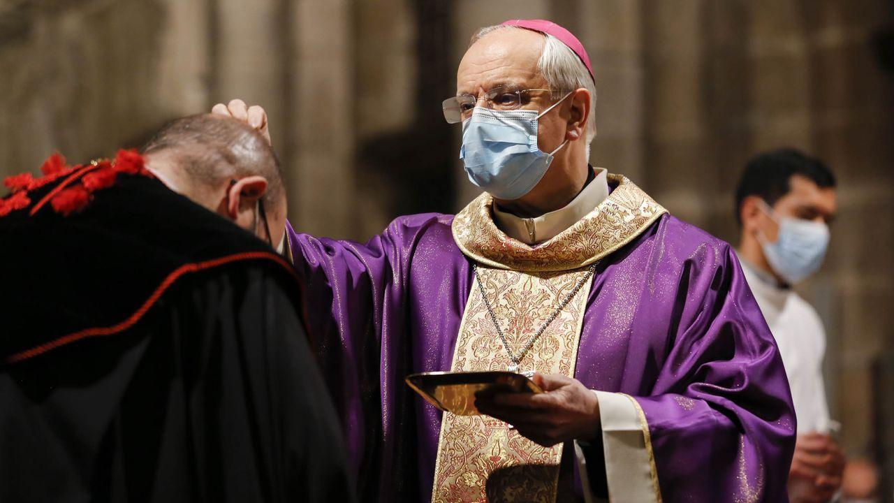 El obispo de Ourense, en la celebración del Miércoles de Ceniza.