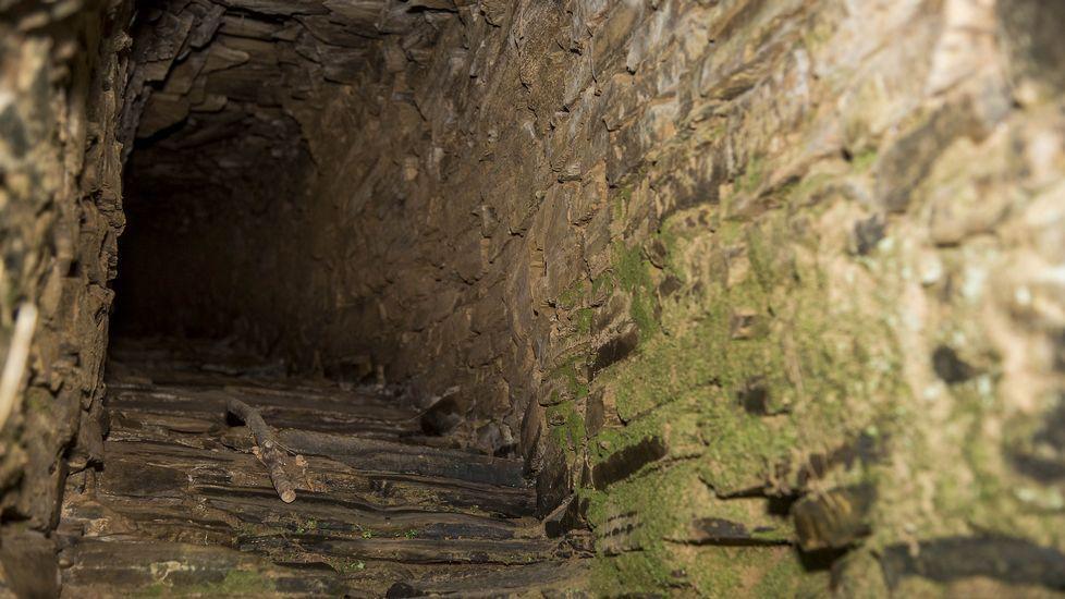 Interior de la Fonte Vella, construida en forma de mina