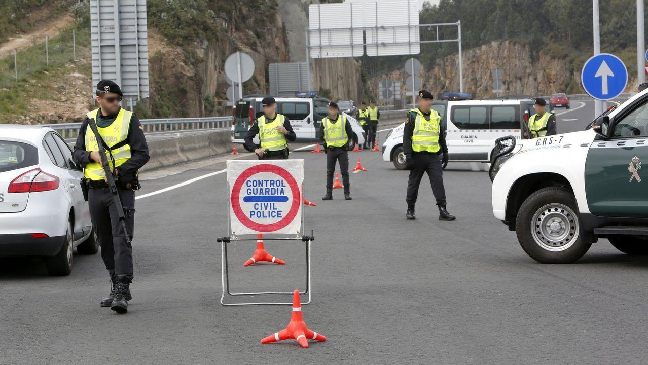 Imagen de un control de la Guardia Civil en la autopista entre A Coruña y Carballo