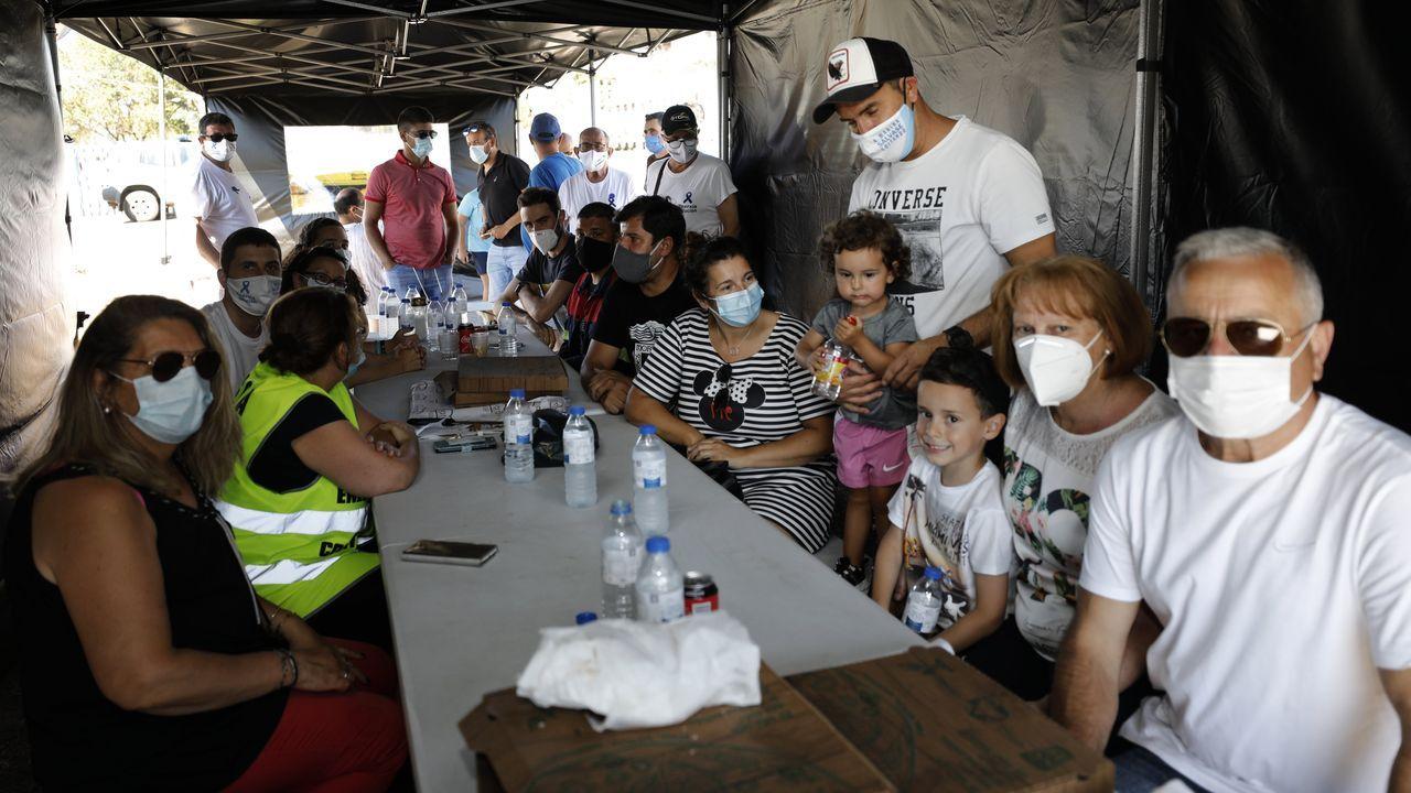 Tamén o 25 de xullo, as familias seguen a acompañar aos traballadores de Alcoa San Cibrao en folga