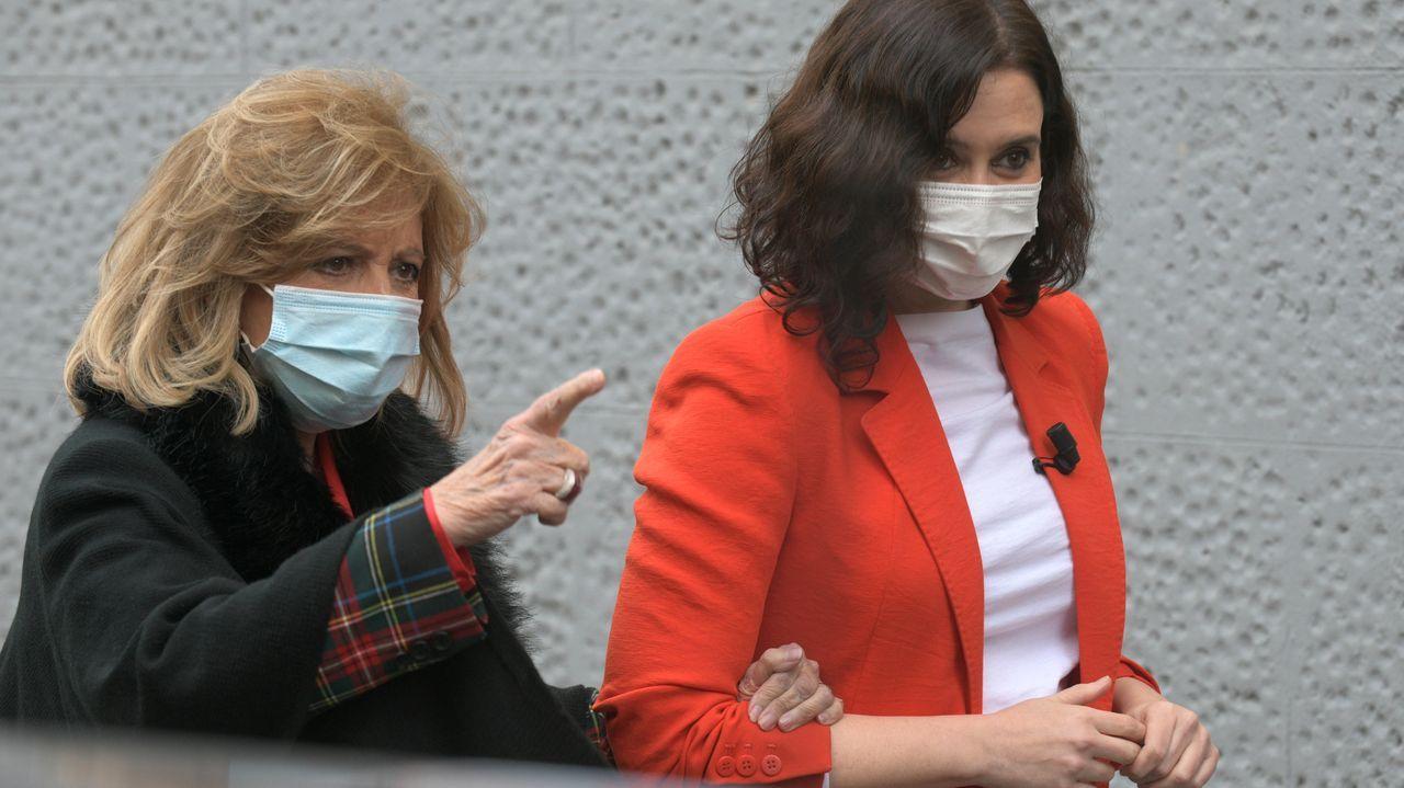 Declaran Aznar y Rajoy como testigos en el caso del presunto pago con la caja B del PP de las obras en Génova.Aznar junto a Rajoy en el Comité Ejecutivo Nacional del 21 de diciembre del 2015