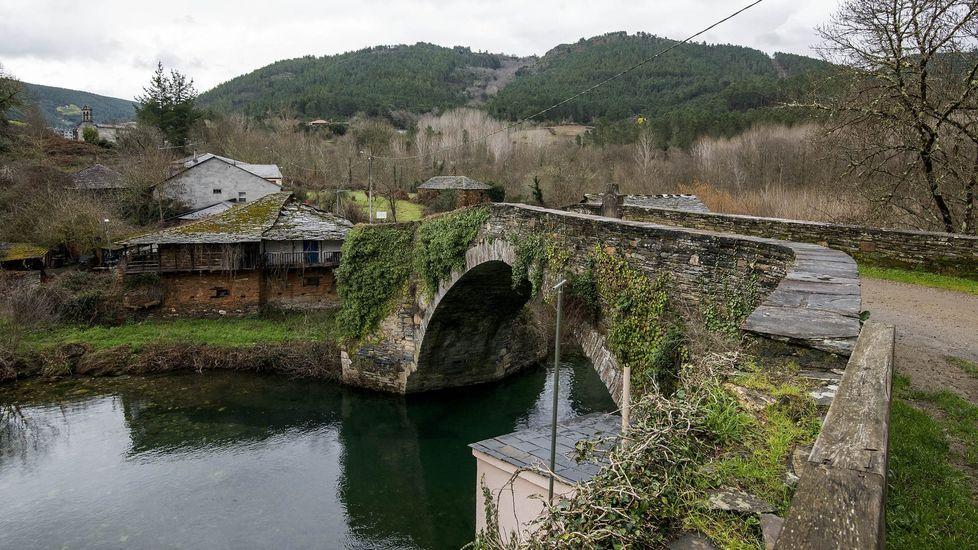 Puente de Barxa, en A Pobra, uno de los escenarios de las actuaciones subvencionadas