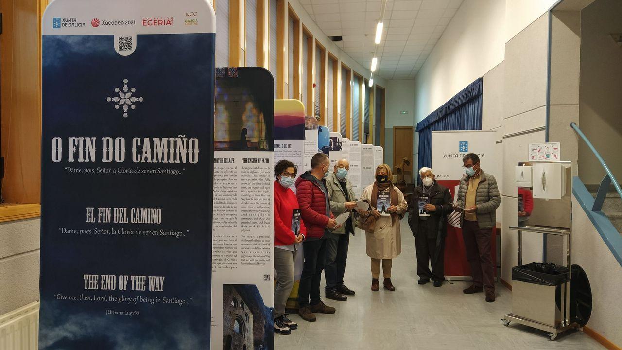 Diez monumentos románicos de la Ribeira Sacra lucense.A exposición está instalada no centro sociocultural de Sober
