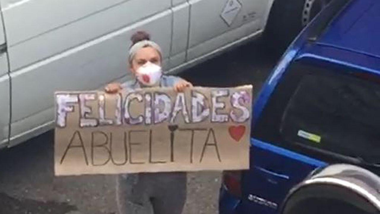 La felicitación especial de una nieta a su abuela en Gijón
