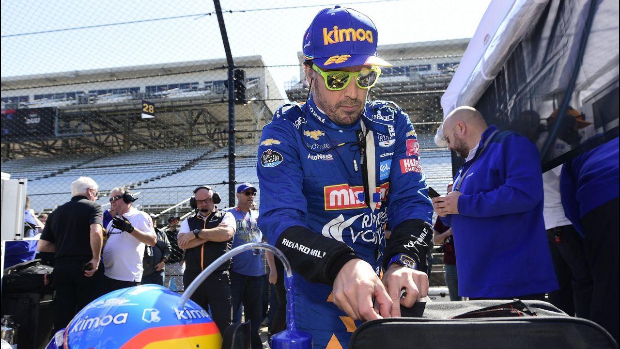 José María Rubio, con Fernando Alonso