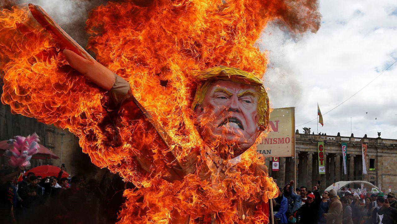 Un alto cargo de la Casa Blanca desvela un trabajo interno del Gobierno para frustrar la agenda de Trump.El líder demócrata en el Senado, Mitch McConnell, junto a un asesor en el Capitolio