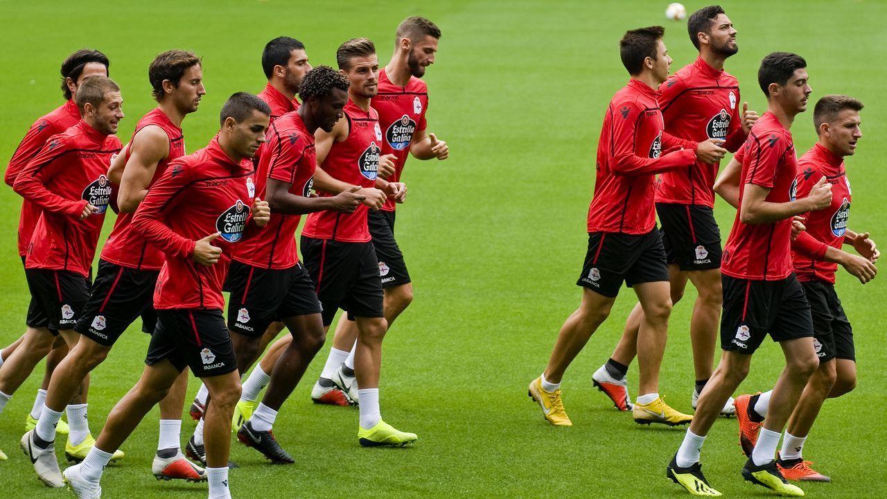 Las mejores imágenes del Dépor - Granada.Los futbolistas del Deportivo se entrenaron ayer por primera vez en el estadio