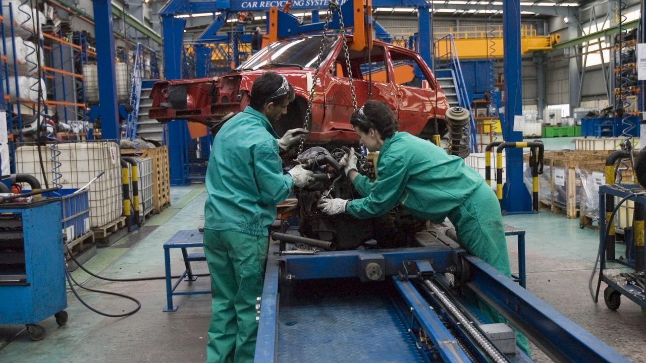 Empresa Vfus Armonía, en el municipio coruñés de As Somozas, dedicada al reciclaje integral de vehículos sin uso