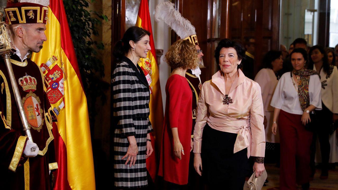 La jornada definitiva de la sesión de investidura, en imágenes.La presidenta del Congreso, Meritxell Batet