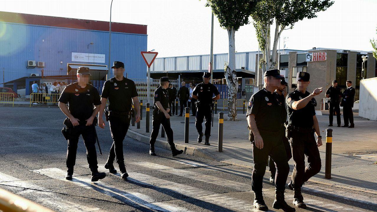 Gran despliegue de las fuerzas de seguridad ante la Audiencia Nacional.