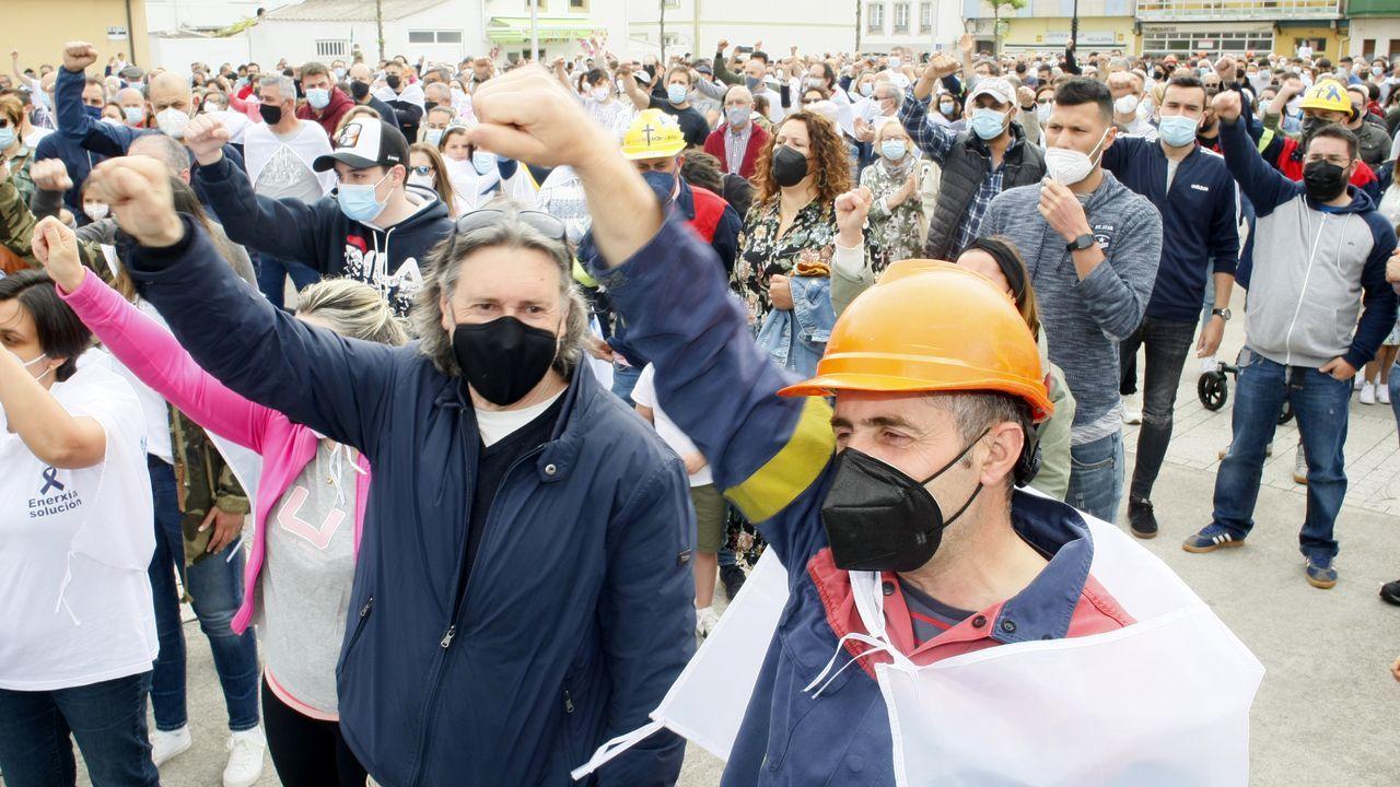El comité de Alcoa: «Vamos a volver a dar la batalla».Imagen de una concentración reciente en defensa de la planta de aluminio de San Cibrao