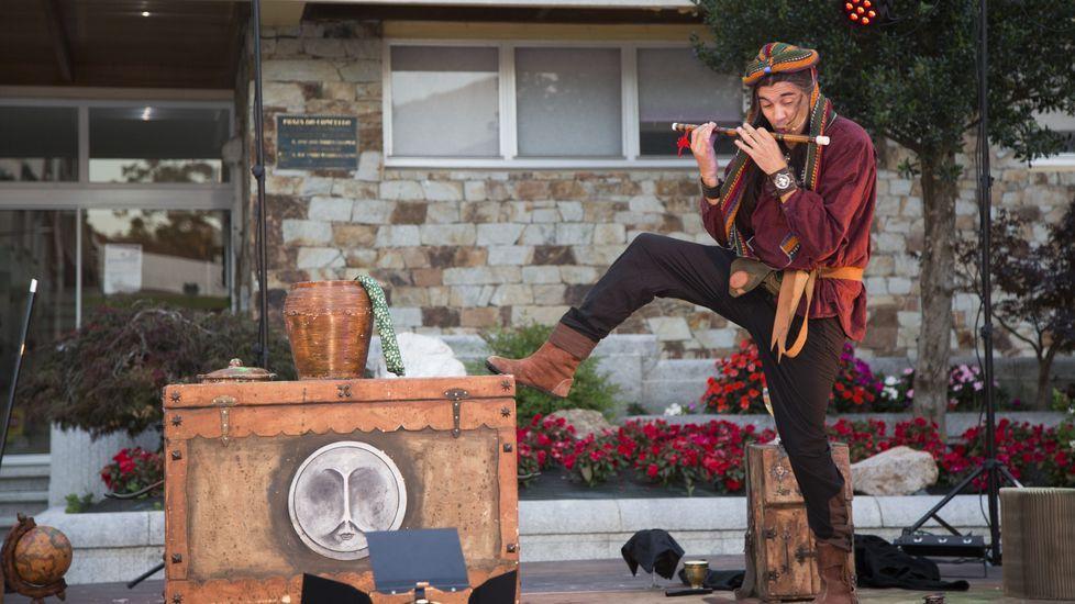 El Mago Teto presenta su espectáculo de magia «Alquimia» en A Pastoriza