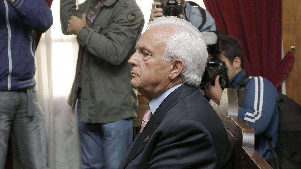 Mónica Legazpi, interventora de la Diputación, José Manuel Baltar y José Luis Baltar.
