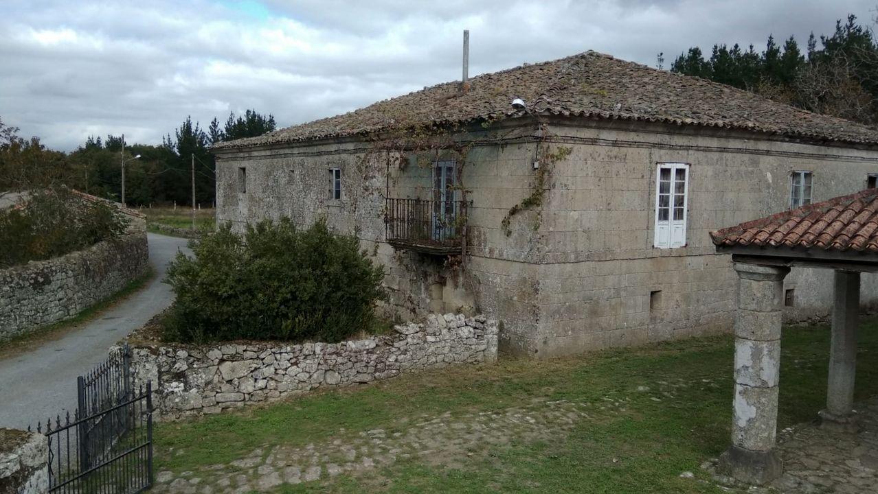 Hallazgos arqueológicos romanos en el rural lucense.El edificio de la antigua casa rectoral de Proendos está desocupado desde hace cerca de cuarenta años