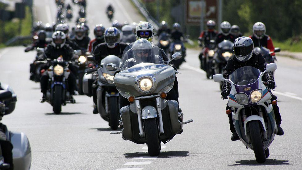 Ruta de los moteros por Coles (Ourense) en protesta por toda Galicia.