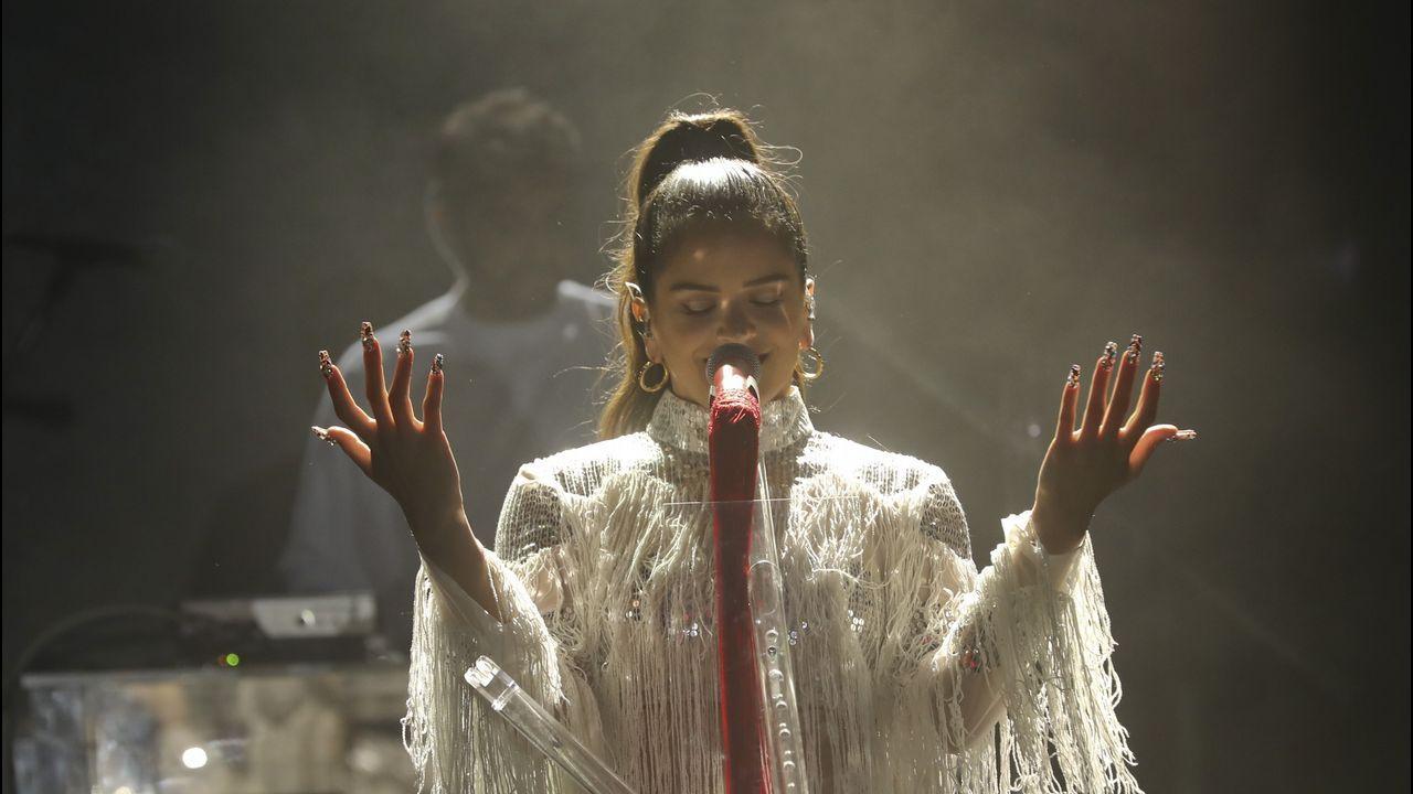Todas las imágenes del concierto de Rosalía en Santiago.Una de las portadas de la edición británica de Vogue