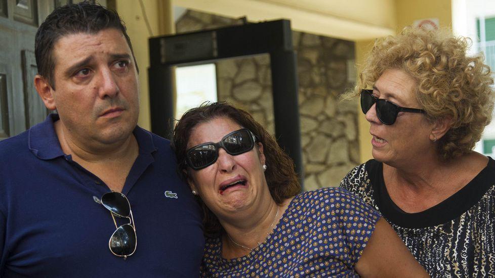 Noelia yAlberto, padres de acogida del pequeño.