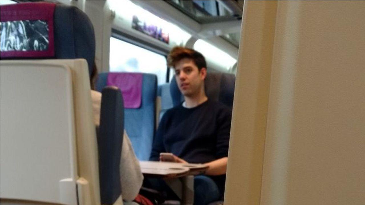 Roi, en el tren de camino a la firma de discos
