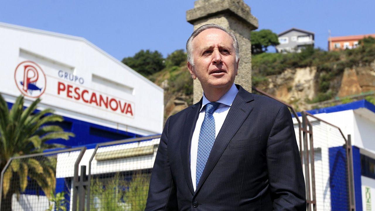 Fernández de Sousa abandonando en 2013 el Consejo de administración de Pescanova tras presentar su dimisión