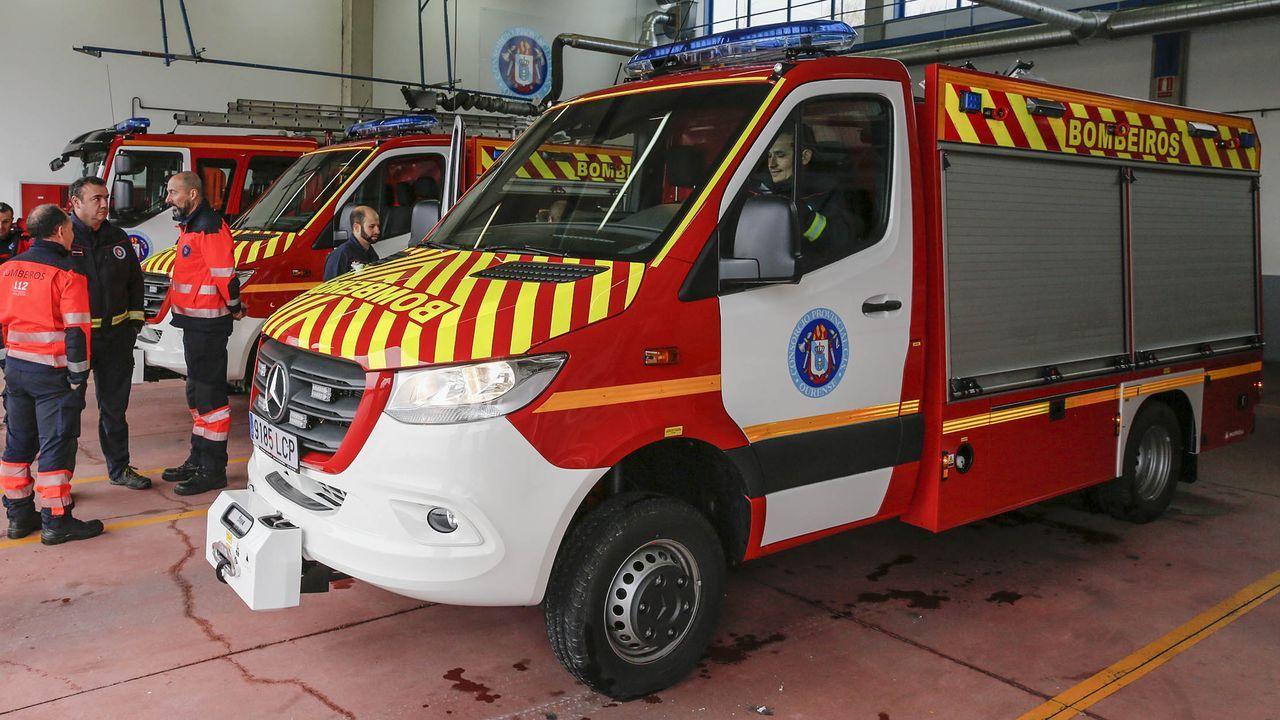 Los bomberos de Ourense tuvieron que intervenir en uno de los incendios
