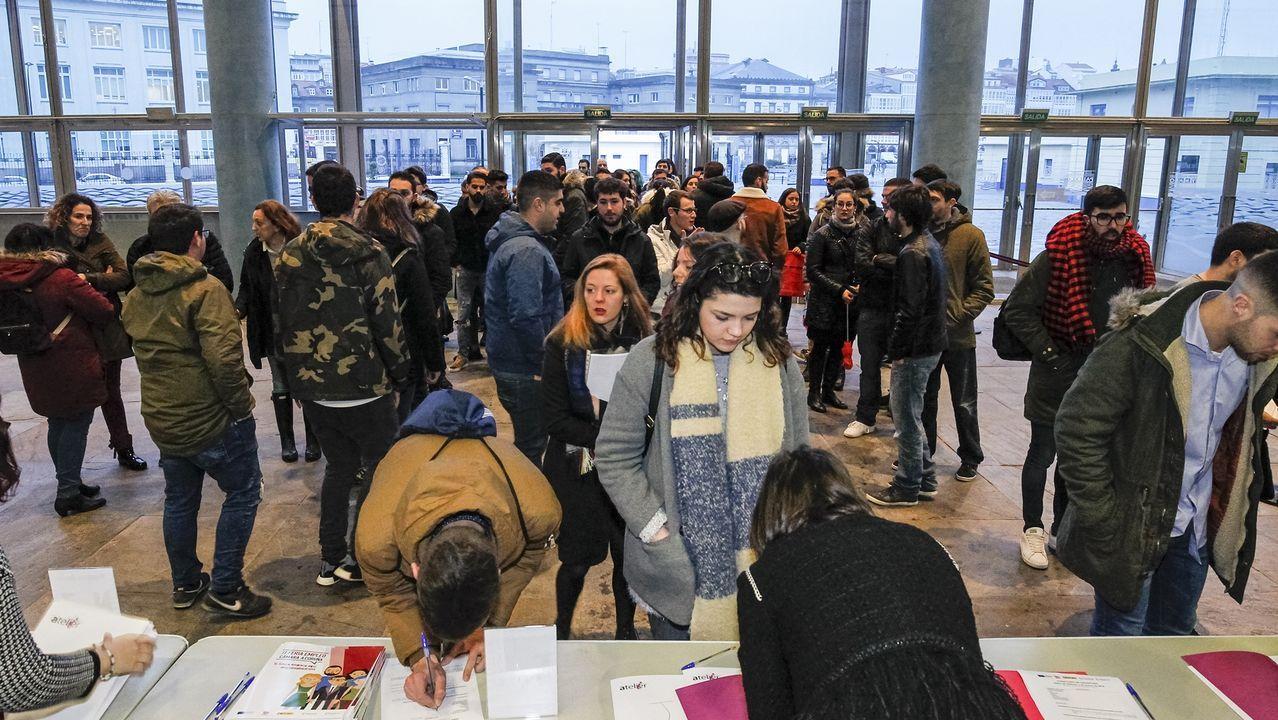 Decenas de jóvenes en la anterior Feria de Empleo de la Cámara
