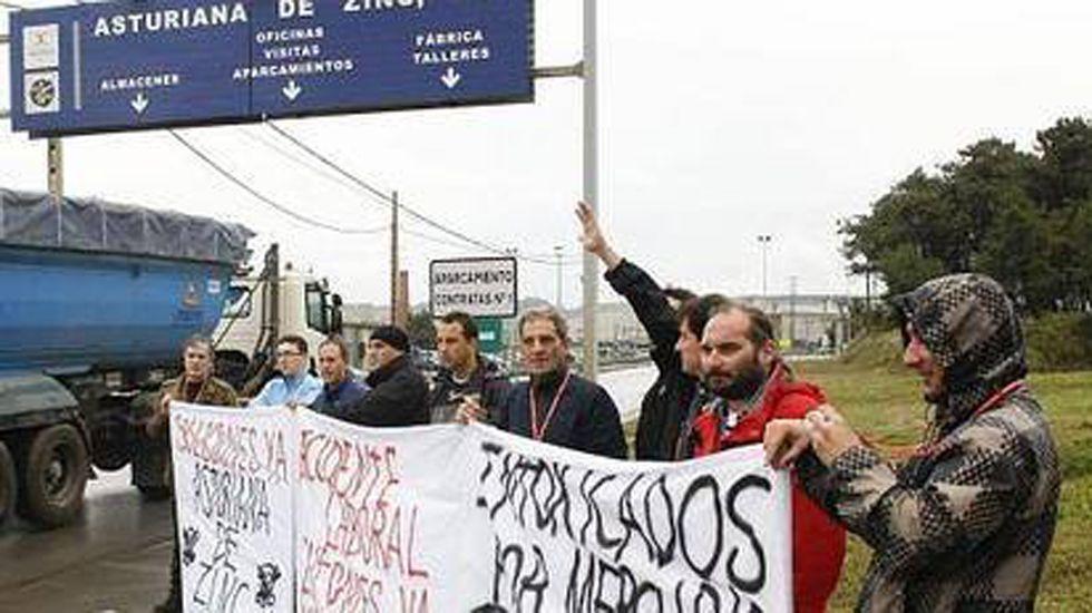 La UPA del Materno ha sido trasladada al Fundoma.Protesta de los intoxicados por mercurio en Azsa