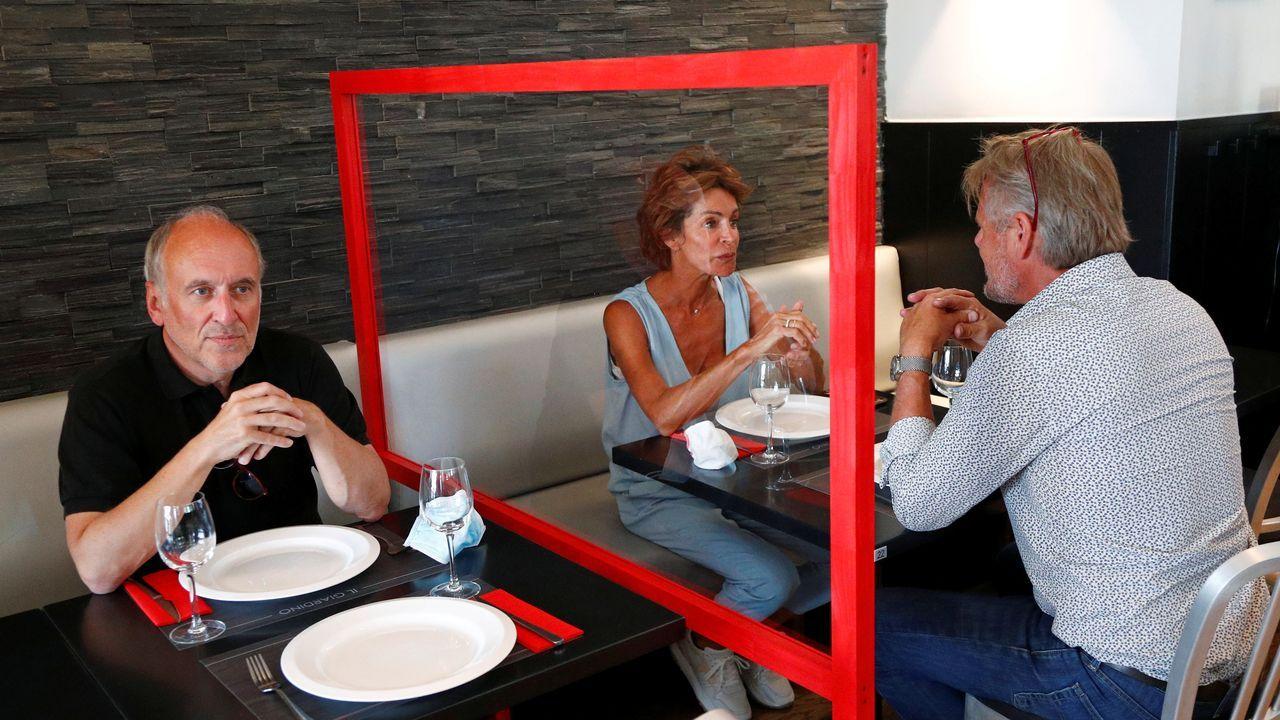 En Bruselas también se ha normalizado el uso de mamparas separadoras en los restaurantes