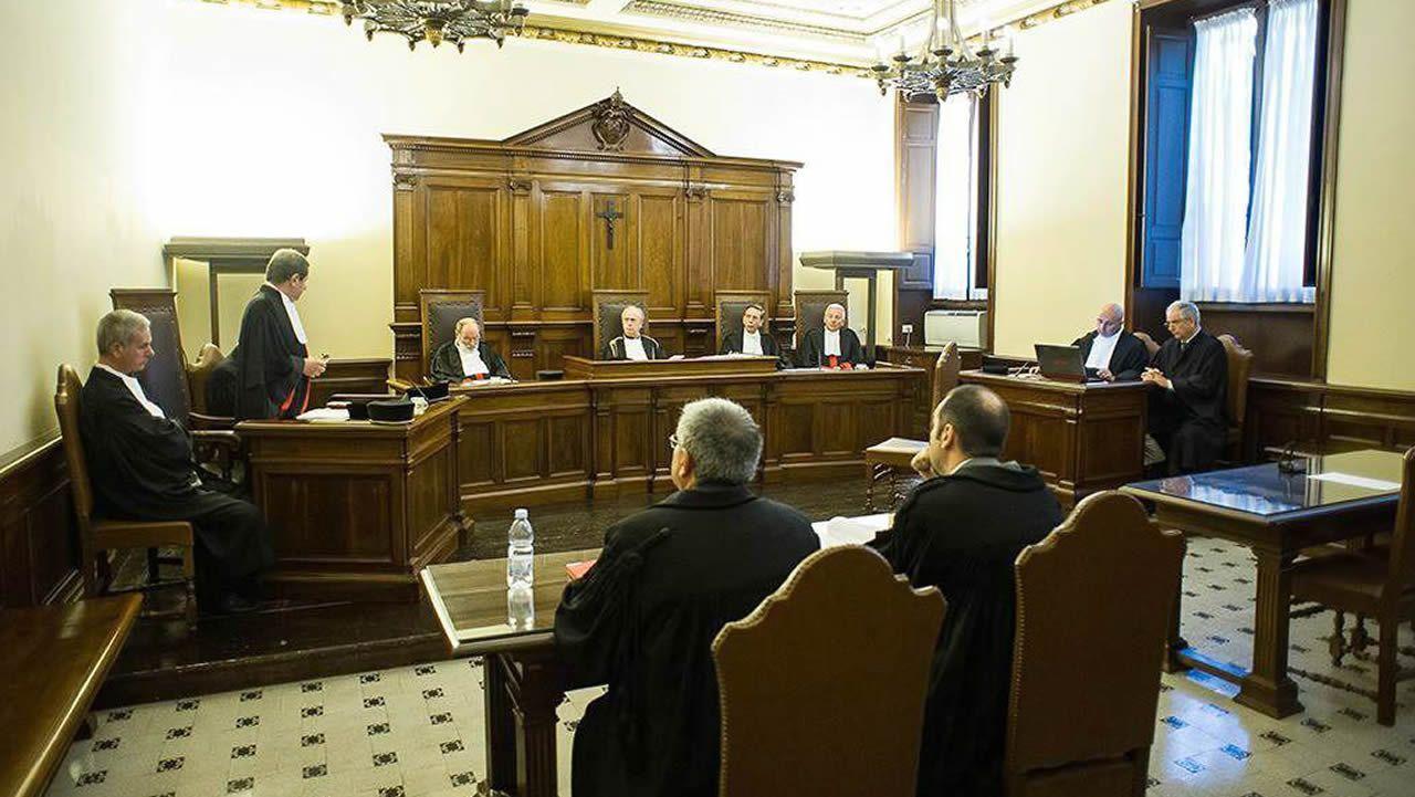 Imagen de la vista contra el nuncio Jozef Wesolowski, que también fue detenido por una acusación de pederastia y falleció en el 2015, mientras era juzgado