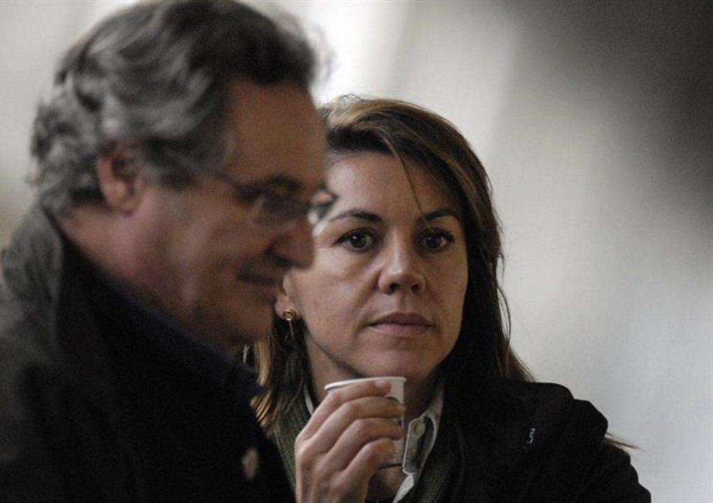 La ex secretaria generel del PP María Dolores de Cospedal y su marido, Ignacio López del Hierro, en una imagen de archivo