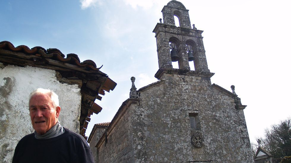 Primer adelanto de  Live is Life .Iglesia de San Vicente de Castillón, en una imagen de archivo