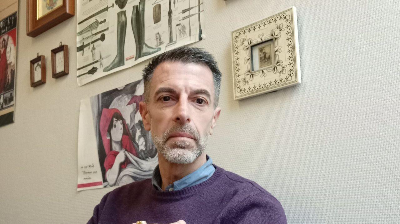 O escritor e ensaísta Xulio Pardo de Neyra publica o seu primer poemario