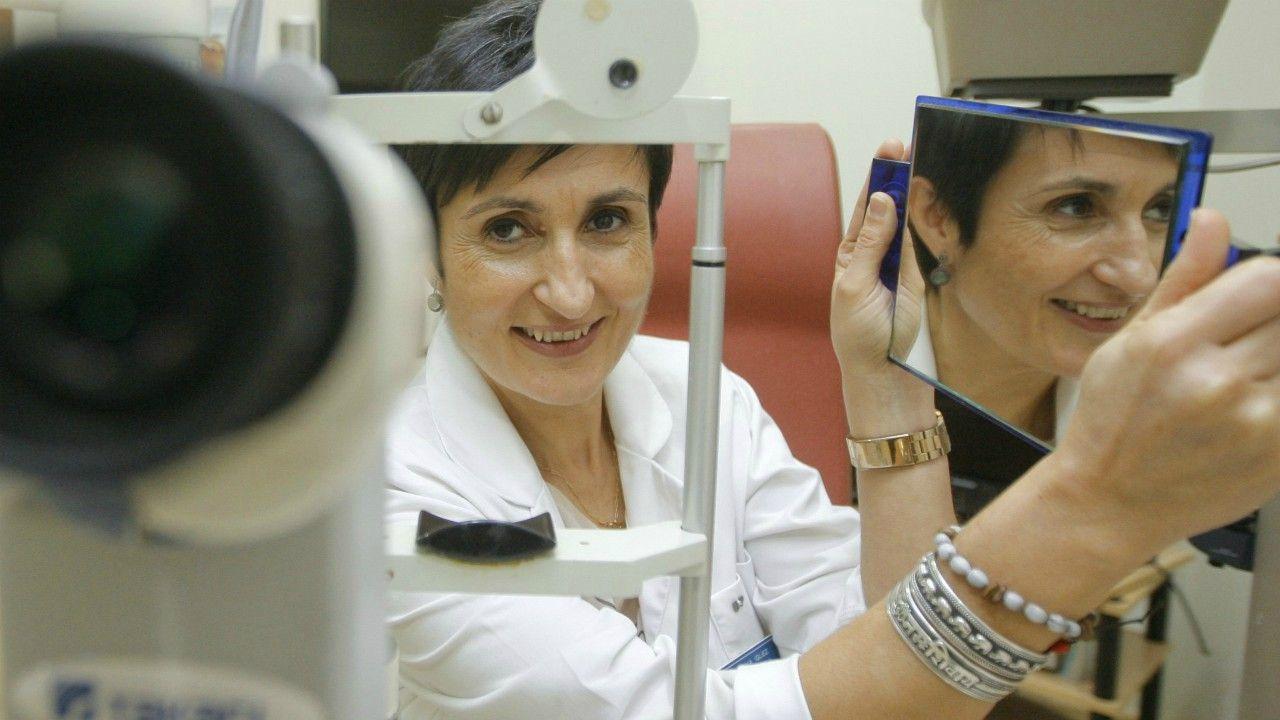 La oftalmóloga Ana González fundó en el año 1994 el Instituto Gallego de Cirugía Ocular. FOTO JOSÉ PARDO