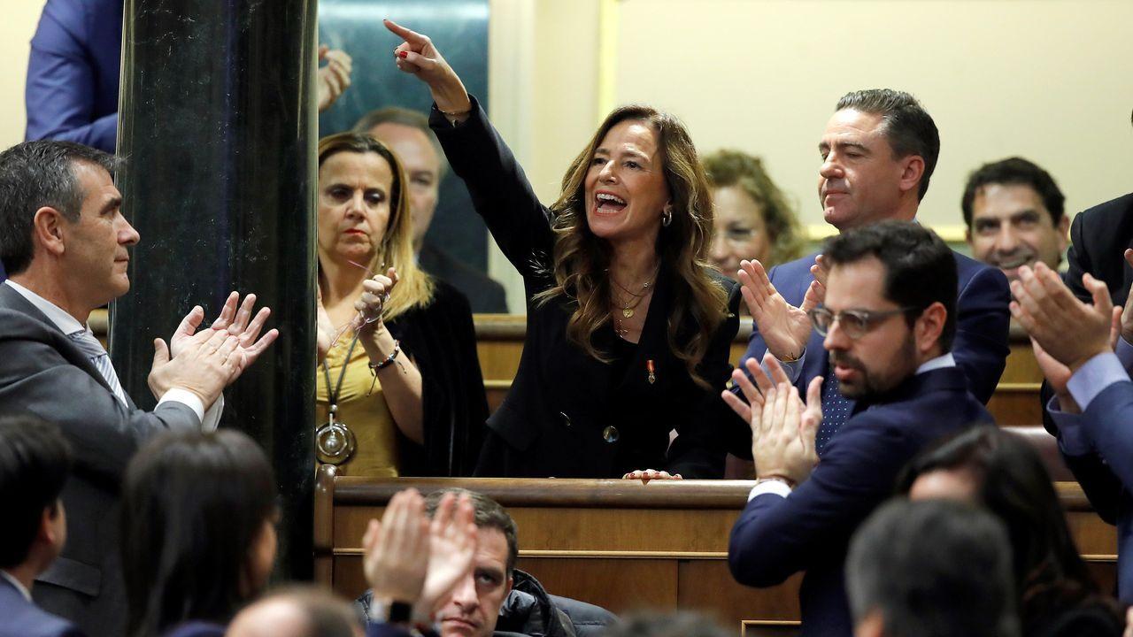 Tensión en el Congreso por la intervención de la portavoz EH Bildu.Mertxe Aizpurua (Bildu) besa a Pablo Iglesias