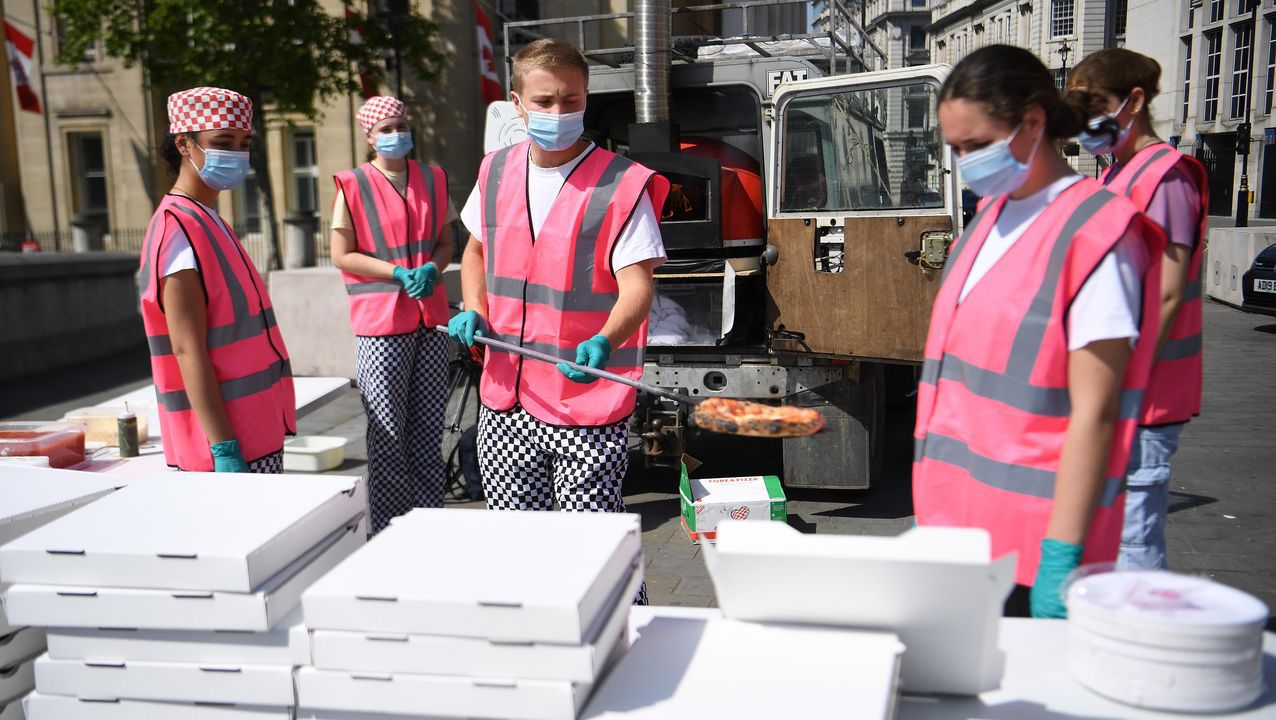 Pandemic Pizza es una iniciativa impulsada por tres hermanos británicos que ofrece pizza a los sin techo londinenses