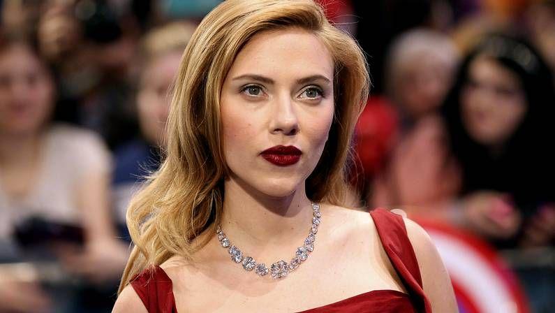 Flores.Scarlett Johansson, ejemplo de un comportamiento que se da más en los hombres