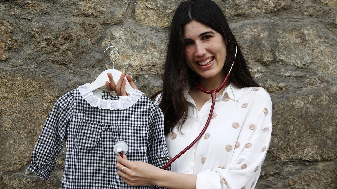 Paula Zavala, enfermera escolar y diseñadora de moda infantil de A Coruña