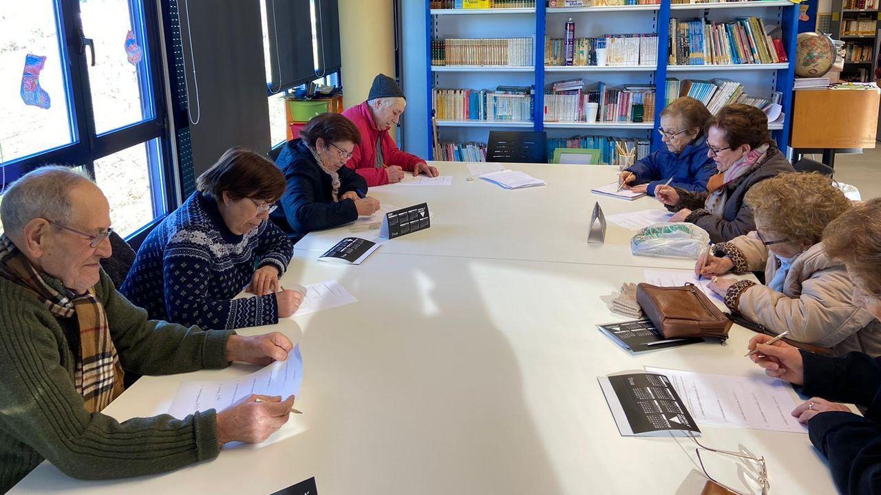 Participantes en los talleres de memoria en la Casa de Cultura, donde se desarrolla esta actividad
