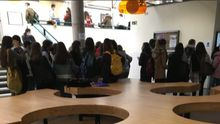 Estudiantes en el aulario de la Facultad de Filosofía y Letras de la Universidad de Oviedo