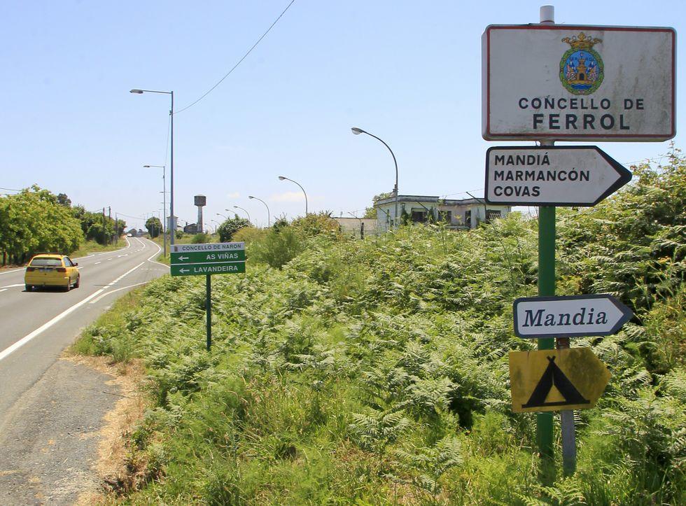 Balsas de tratamiento en la EDAR de Ferrol de cabo Prioriño, en una foto de archivo.