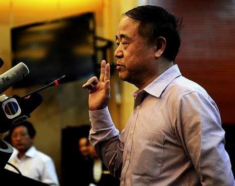 fur.Mo Yan, ayer, en la multitudinaria rueda de prensa que ofreció para replicar a sus críticos.