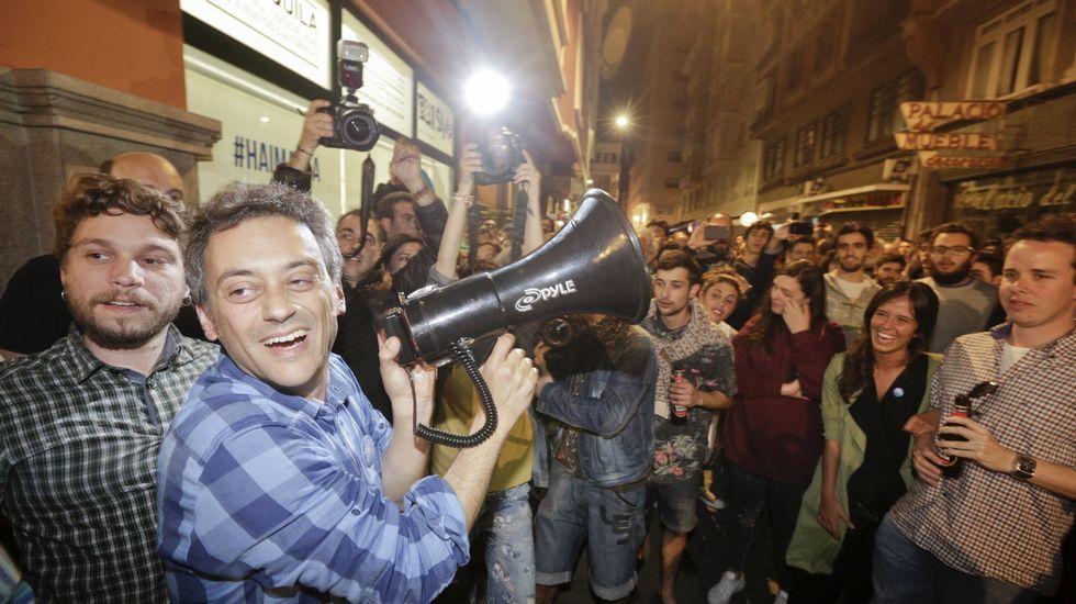 Fiesta de la Marea por los resultados en A Coruña.