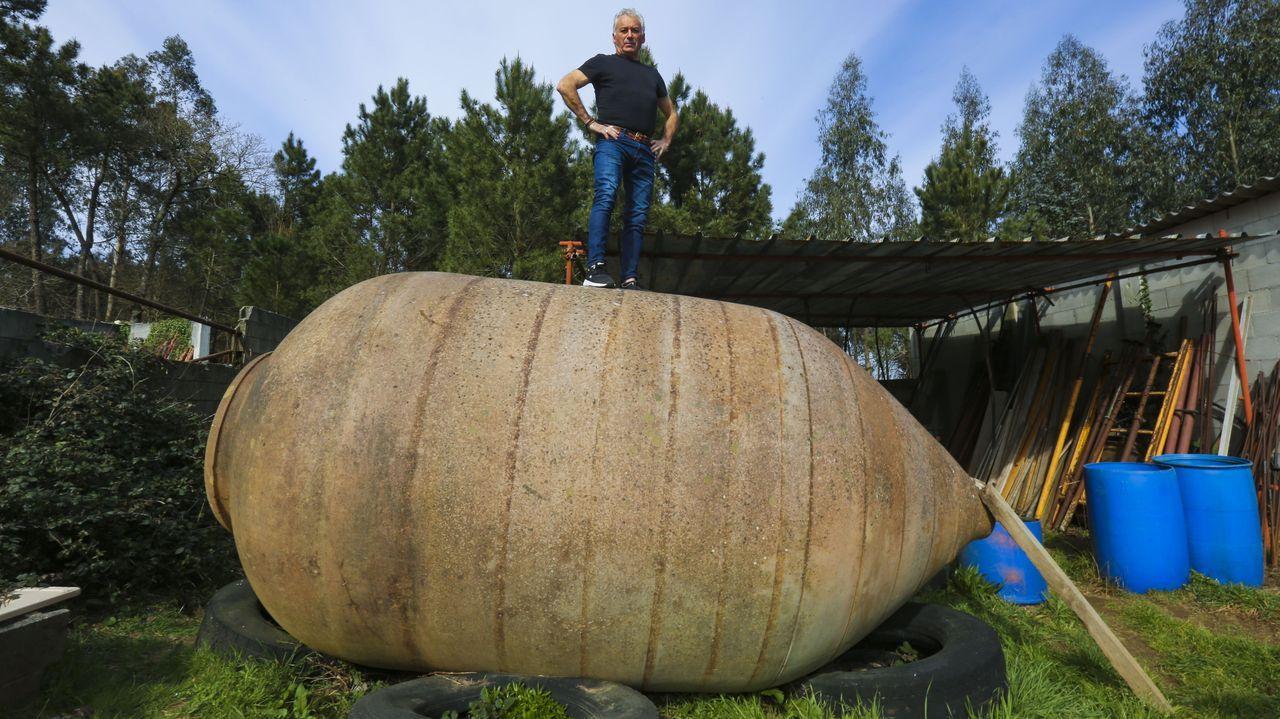 José Vilanova la guarda en una de sus fincas de Carballo debido a su gran tamaño