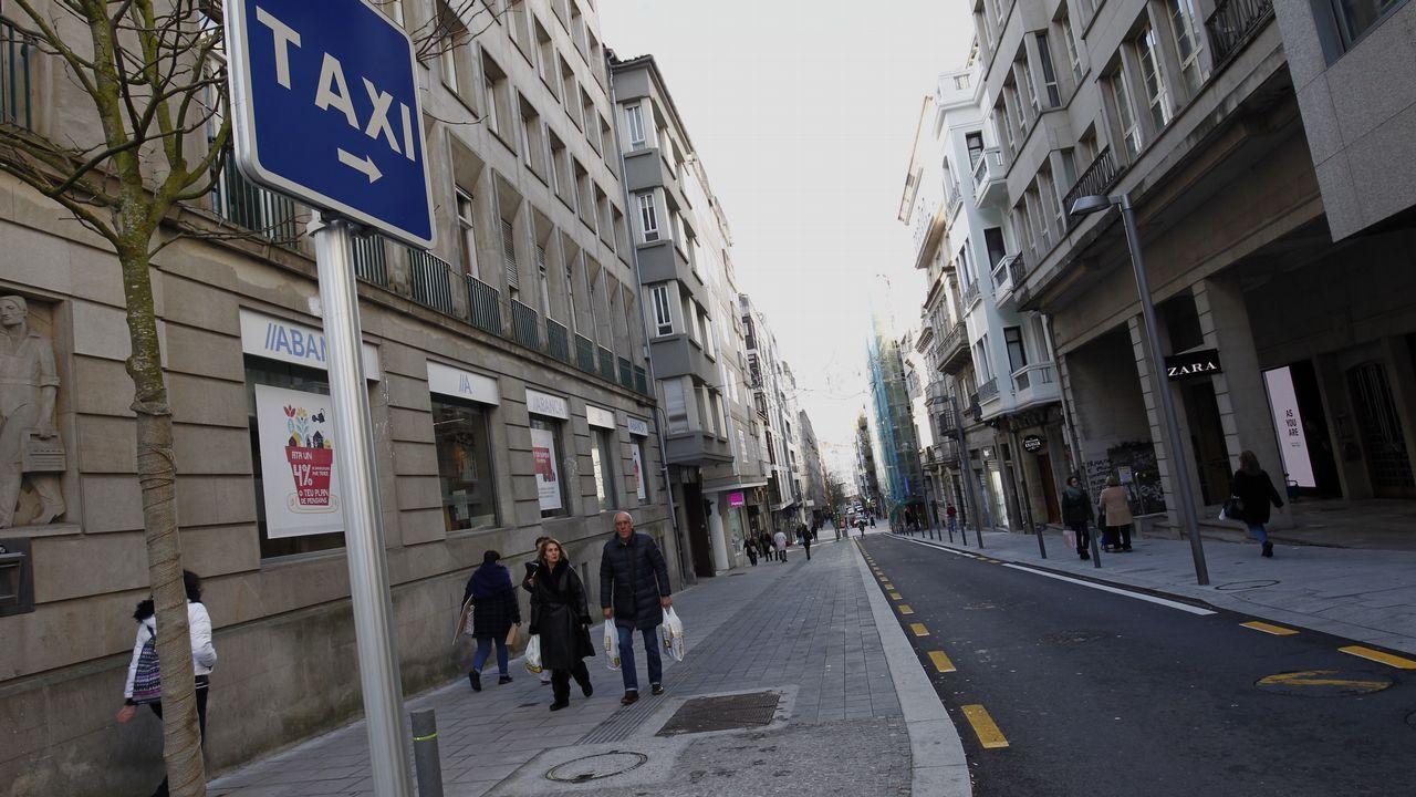 Paradas de taxis vacías en Santiago por la huelga de 24 horas del gremio.