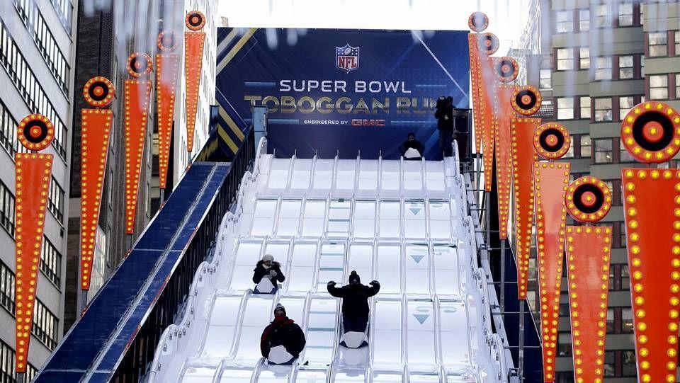 La Super Bowl, en imágenes.Trabajadores de Soda Stream