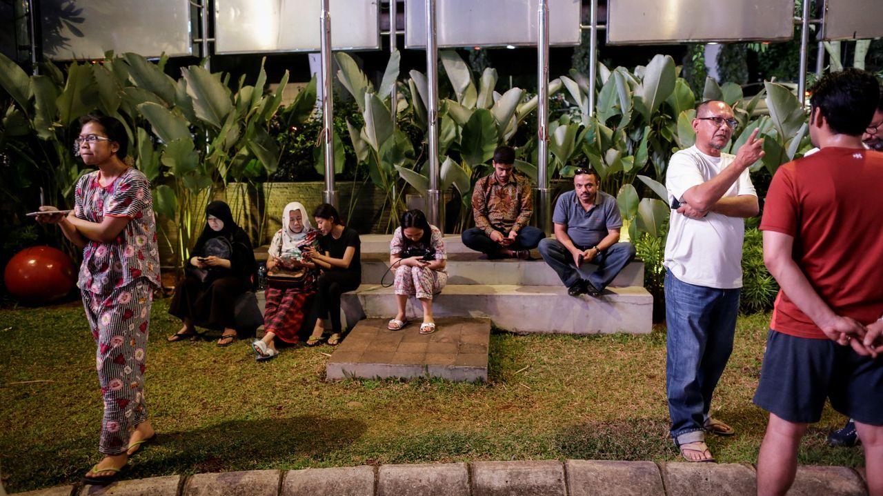 Pánico en Indonesia ante la alerta de tsunami tras un fuerte terremoto.Marcos Sousa, vecino de Cartelle, sintió el temblor de tierra en Celanova