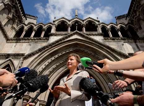 «Todo el mundo sabrá la verdad», dijo la viuda de Litvinenko ante el Tribunal Superior de Londres.
