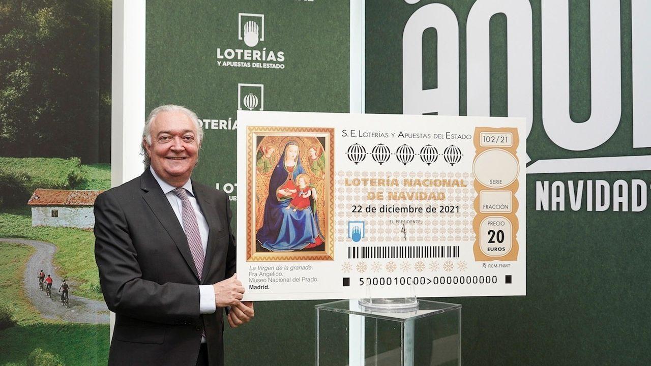 Cholo Moldes, propietario de la administración de lotería número 1 en Sanxenxo