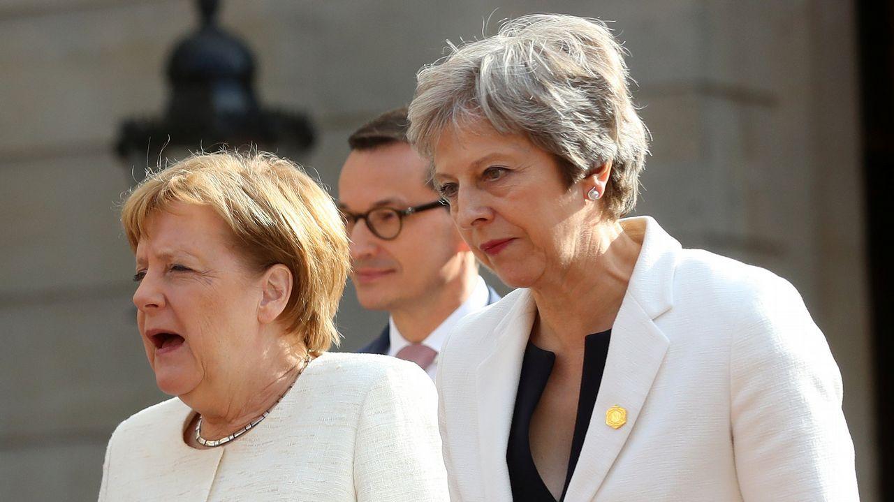 Xisco Gràcia: «Es increíble que hayan salido, han nadado en chocolate».Theresa May y Angela Merkel este martes en Londres