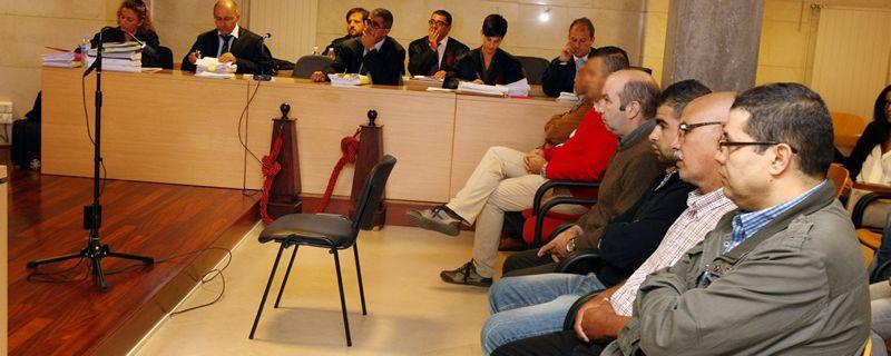 juicio.Juicio a Messaoud El-Omari -en primer término, a la derecha-