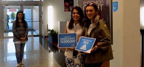 Ana Brenlla Gerpe se convirtió en la visitante número diez millones del centro comercial.